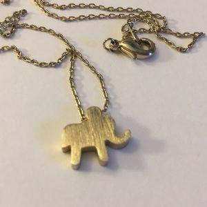 ✅Adorable vintage elephant 🐘 pendant necklace 🌀